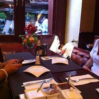 Foto tomada en Casa Valadez Anfitrión & Gourmet por Cira el 11/12/2011