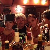 8/26/2012 tarihinde Kiyo A.ziyaretçi tarafından Club CACTUS'de çekilen fotoğraf