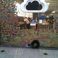 Foto scattata a Apple Haywood Mall da Heather B. il 10/15/2011
