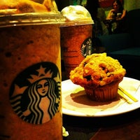 Photo taken at Starbucks by Felipe K. on 4/22/2012