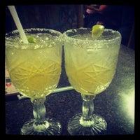 รูปภาพถ่ายที่ La Nopalera Mexican Restaurant โดย Leona F. เมื่อ 7/13/2012