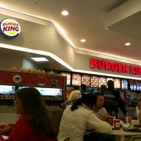 Foto tirada no(a) Burger King por Diogo B. em 9/20/2011