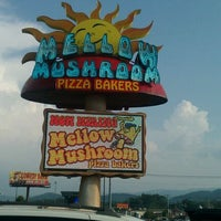 Photo taken at Mellow Mushroom Pizza Bakers by Mike G. on 8/5/2011