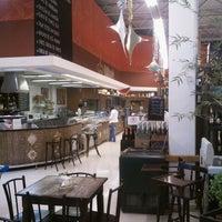 Foto tirada no(a) Pão de Açúcar por Luís L. em 12/29/2011