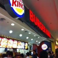 Foto tirada no(a) Burger King por Kleber B. em 3/23/2012
