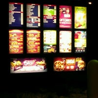 Photo taken at Taco Bell by sean s. on 8/23/2011