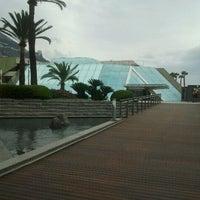 รูปภาพถ่ายที่ Grimaldi Forum โดย Iarla B. เมื่อ 3/12/2011