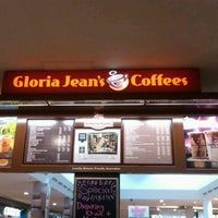 Photo taken at Gloria Jean's Coffees by Jay S. on 3/22/2011
