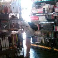 Foto diambil di Comic Stores oleh Angel J. pada 7/12/2012