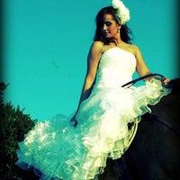 Foto tirada no(a) Nishi Royale - Vestidos para Festas e Noivas por Ana T. em 12/2/2011