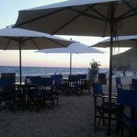 Foto tomada en Chiringuito Paradise Beach por Kris el 9/4/2011