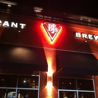 Photo taken at BJ's Restaurant and Brewhouse by Jesse M. on 2/26/2011