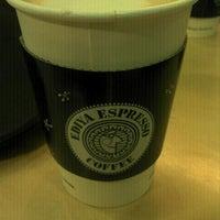 Photo taken at EDIYA COFFEE by Soohwan K. on 3/20/2012