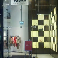 6/5/2012 tarihinde David R.ziyaretçi tarafından BOSS Store'de çekilen fotoğraf