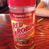 Photo taken at Red Robin Gourmet Burgers by Deirdre on 8/18/2012
