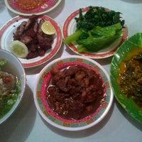 Photo taken at Lapo Ni Tondongta by Manies H. on 7/28/2012