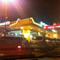 Foto tirada no(a) McDonald's por Fernando R. em 6/11/2012