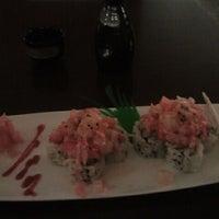 Photo prise au Domo Sushi par Teresa P. le1/23/2012