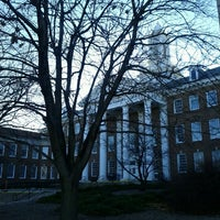 Photo taken at Arts And Sciences Hall (ASH) by Dae-seop K. on 1/4/2012