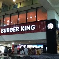 Foto tirada no(a) Burger King por Alex S. em 8/14/2012
