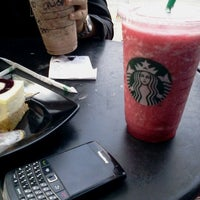 Photo taken at Starbucks by ELiyu E. on 9/4/2011