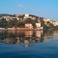 Das Foto wurde bei Burgazada Sahil von musonruzgari am 8/6/2012 aufgenommen