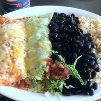 Photo taken at Wahoo's Fish Taco by Matthew T. on 2/21/2012