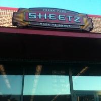 Foto diambil di SHEETZ oleh Kaitlyn G. pada 12/1/2011