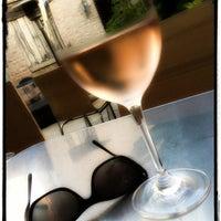 9/3/2012 tarihinde Charmaine V.ziyaretçi tarafından 694 Wine & Spirits'de çekilen fotoğraf