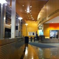 Das Foto wurde bei Baruch College - William and Anita Newman Vertical Campus von Alexander F. am 1/11/2011 aufgenommen