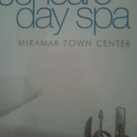 Photo taken at Jencare Skin Farm and Day Spa by Deejay on 4/1/2012