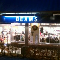 Photo taken at BEAMS OUTLET 八ヶ岳 by Shiro I. on 11/26/2011