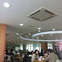 Photo taken at 성신여자대학교 성신관 by Yong Ki K. on 10/23/2011