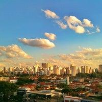 Foto tirada no(a) Quality Suites Long Stay Vila Olímpia por Andre V. em 10/26/2011
