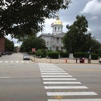 Foto tirada no(a) New Hampshire State House por Shawn M. em 7/29/2012