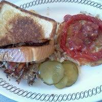 Photo taken at Waffle House by Elishia W. on 9/25/2011