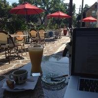 4/7/2012 tarihinde Jean-Marc B.ziyaretçi tarafından Bacchus Coffee & Wine Bar'de çekilen fotoğraf