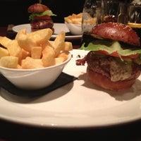 11/26/2011 tarihinde Kosmas A.ziyaretçi tarafından Goodman Steakhouse'de çekilen fotoğraf