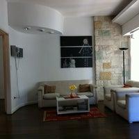 Photo taken at Ba Soho Rooms by Luana M. on 1/29/2012