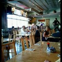 รูปภาพถ่ายที่ Palms Thai Restaurant โดย Frank M. เมื่อ 9/22/2011