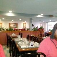 1/4/2012 tarihinde John Henry E.ziyaretçi tarafından Young's Restaurant'de çekilen fotoğraf