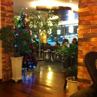 Photo taken at Angel-in-us Coffee by Sunmin K. on 12/24/2010