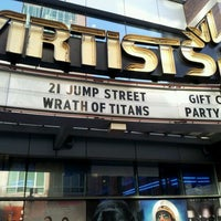 4/8/2012 tarihinde Jevante Q.ziyaretçi tarafından United Artists Court Street 12 & RPX'de çekilen fotoğraf