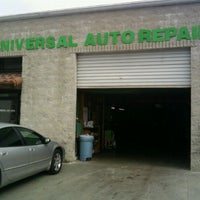 Photo prise au Universal Auto Repair par Shawn U. le4/13/2011