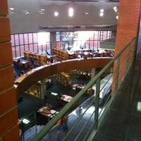 Foto diambil di Biblioteca General oleh Fran B. pada 8/25/2012