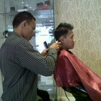 Photo taken at LUXE Salon by Firman S. on 5/21/2012