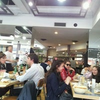 Photo taken at Solera Pizza Restaurante Café by HERNAN B. on 9/22/2011