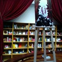 Photo taken at El Pequeño Teatro De Los Libros http://www.teatrodeloslibros.net by Bernardo B. on 1/21/2012