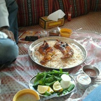 Photo taken at Alfakher Mandi And Traditional Food الفاخر للمندي by Ali M. on 1/2/2012