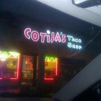 Снимок сделан в Cotija's Taco Shop пользователем Brenda A. 4/3/2012